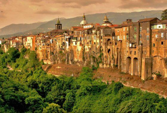 Campania insolita